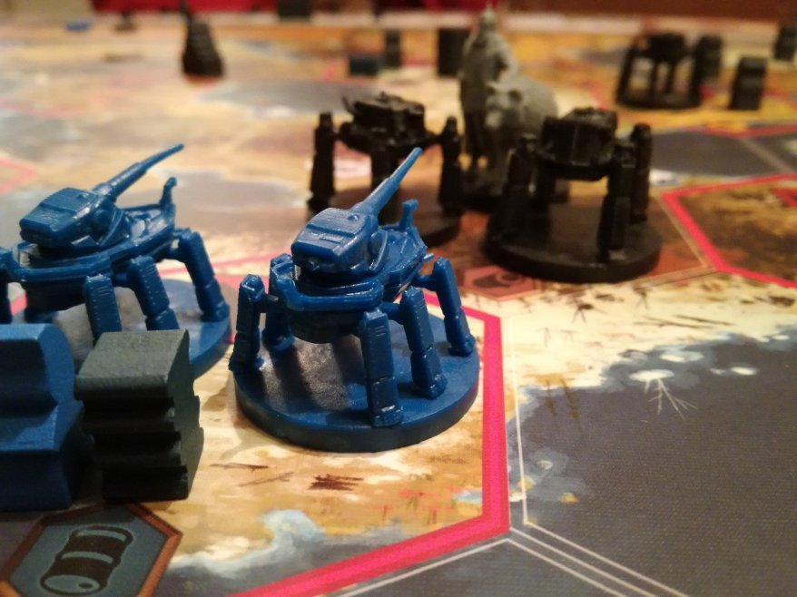 Scythe Review - The Nordic Kingdoms and Saxony Empire facing off.