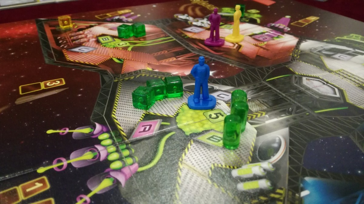 Space Alert vs Captain Sonar: Real-Time Board Games