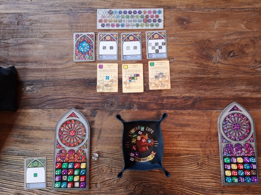 Sagrada Review - Notice the round tracker has been flipped and is now the points tracker.
